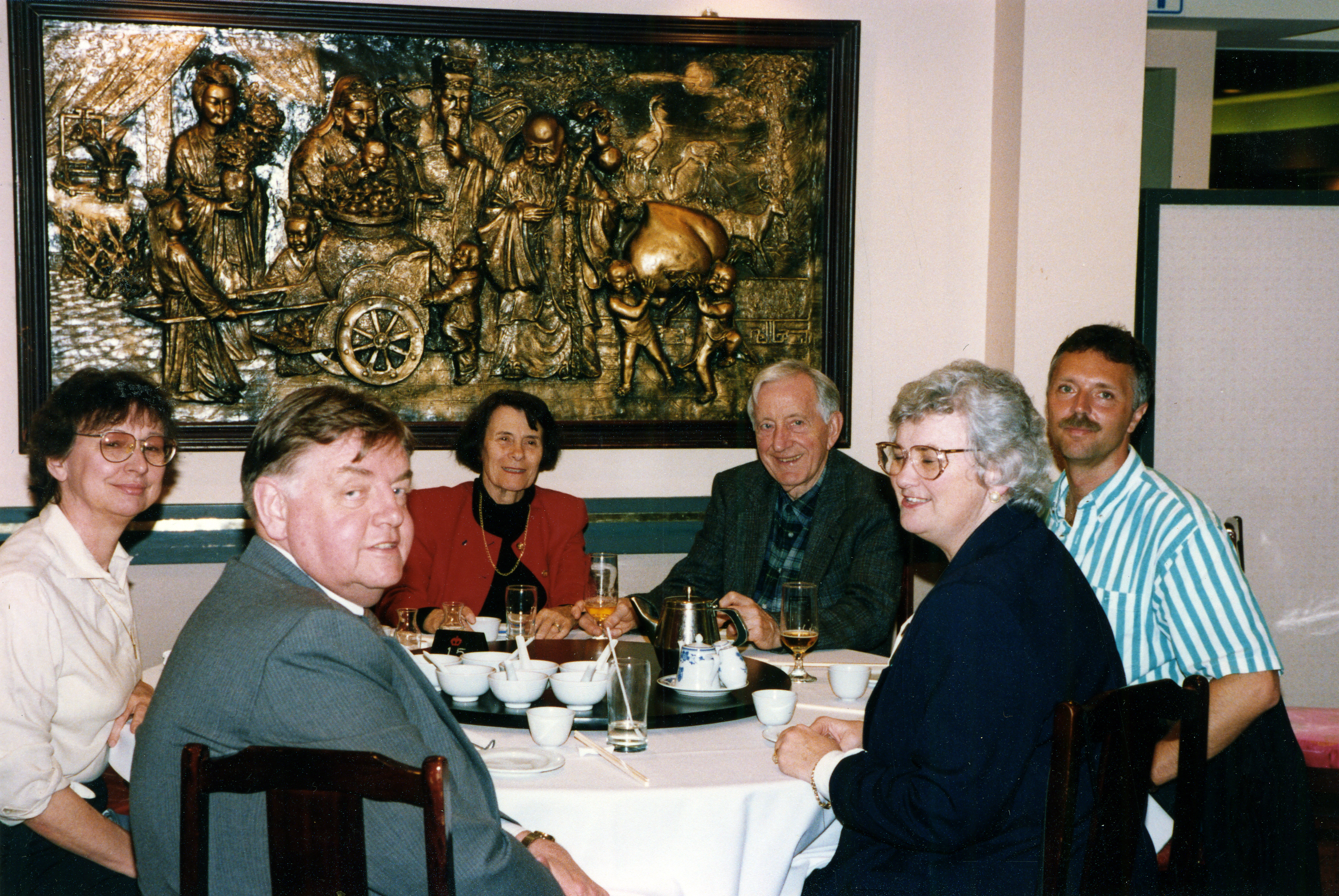 Pink Pearl Restaurant, Vancouver, 1989 Betty and Jim Birren (back) Dr. Susan Butt, Psychology; Dr. Donald MacDougall, Law; Dr. Lynn Beattie, Geriatric Medicine; Dr. Brian De Vries, School of Family